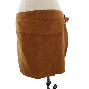 Hollister buttery soft faux suede skirt w/ buckle